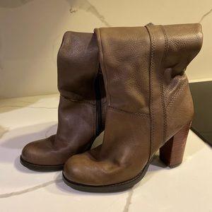 Nine vest brow/beige leather boots 7.5